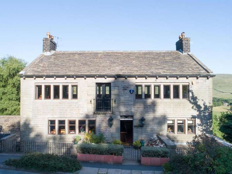4 Bedrooms Detached House for sale in CARR HOUSE, Standedge Road,Diggle OL3 5NB