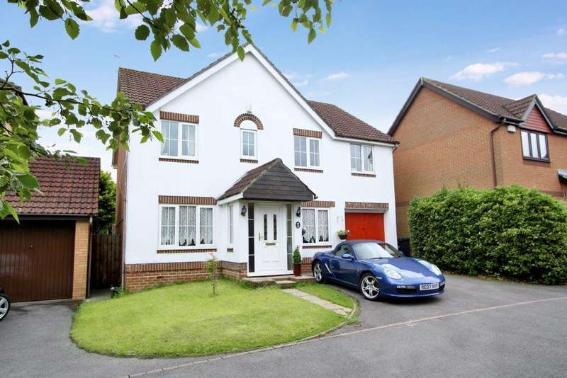 4 Bedrooms Detached House for sale in Gresley Gardens, Grange Park SO30