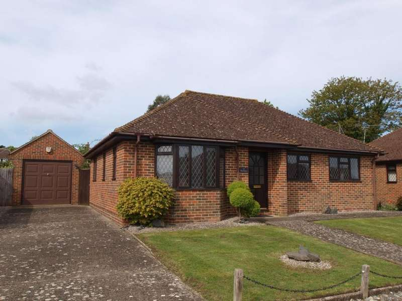 3 Bedrooms Detached Bungalow for sale in The Grove, Lower Willingdon, Eastbourne BN20 9SP