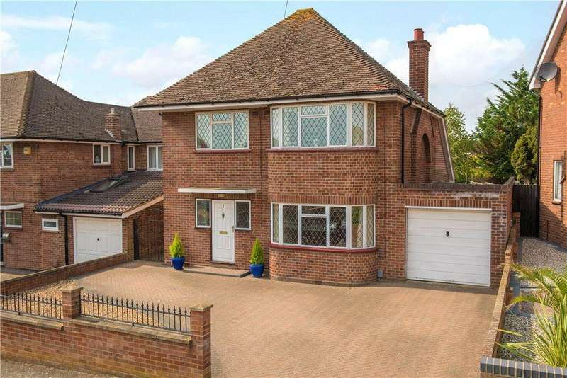 4 Bedrooms Detached House for sale in Queens Crescent, Bedford, Bedfordshire