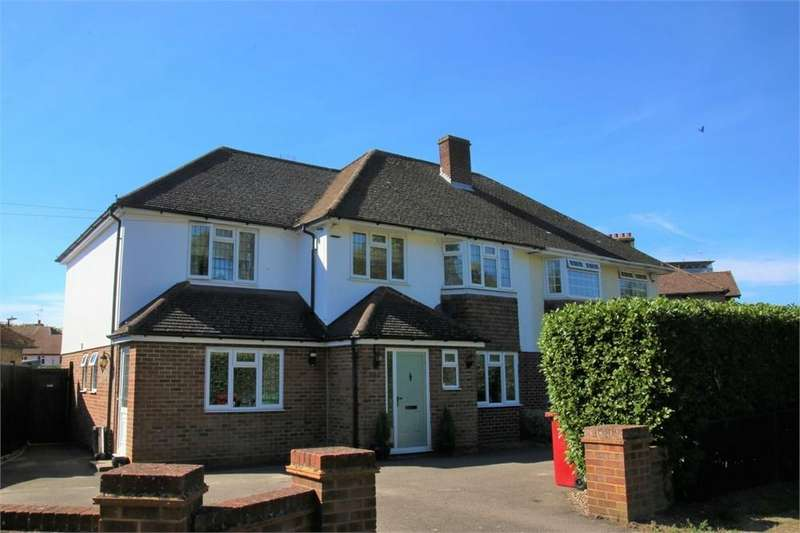 5 Bedrooms Semi Detached House for sale in London Road, Langley, Berkshire