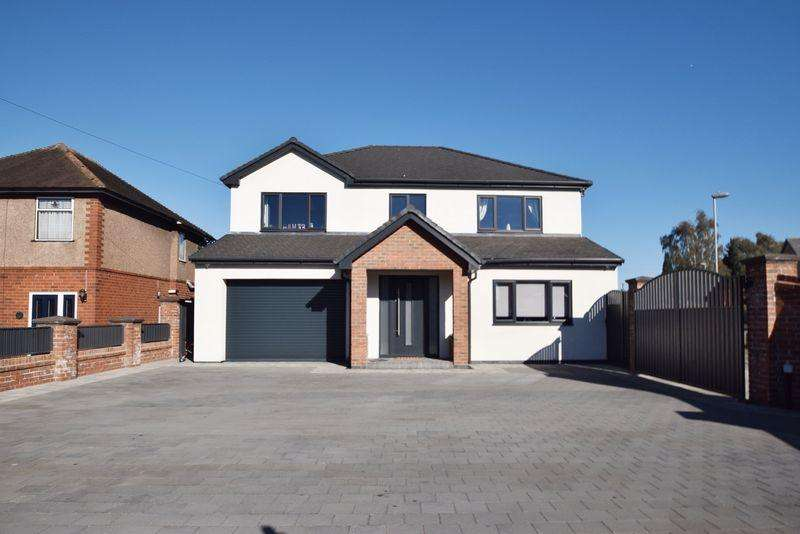 4 Bedrooms Detached House for sale in Walsall Road, Great Wyrley, Walsall