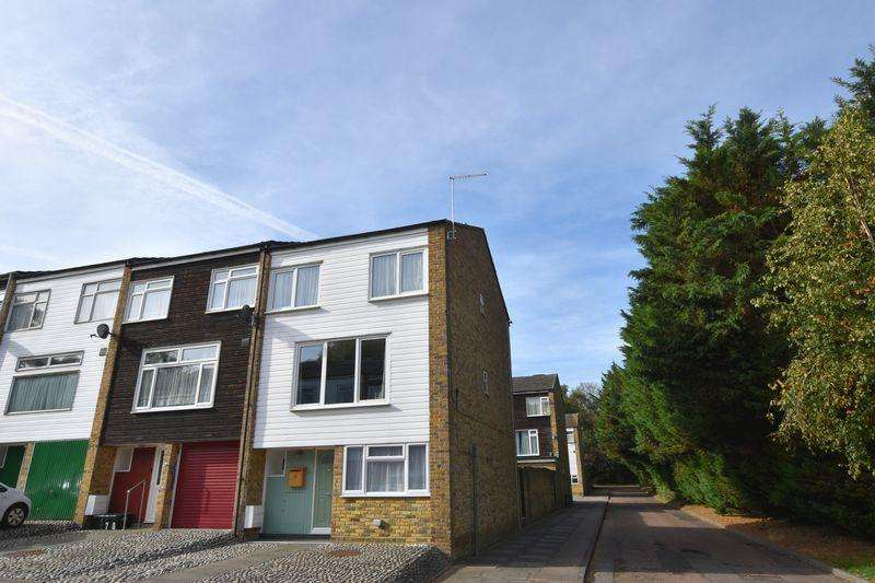 4 Bedrooms Town House for sale in Morley Grove, Harlow