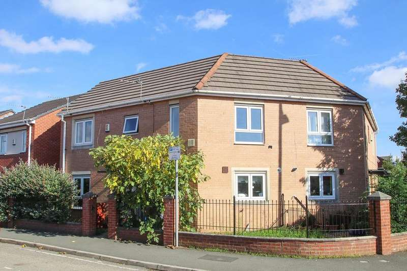 3 Bedrooms Semi Detached House for sale in Old York Street, Hulme, Manchester, M15