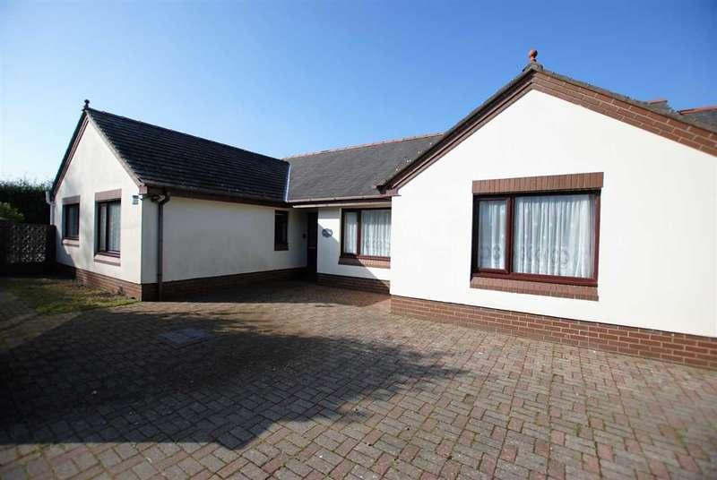 4 Bedrooms Detached Bungalow for sale in Fernside & Fern Cottage, First Lane, Pembroke