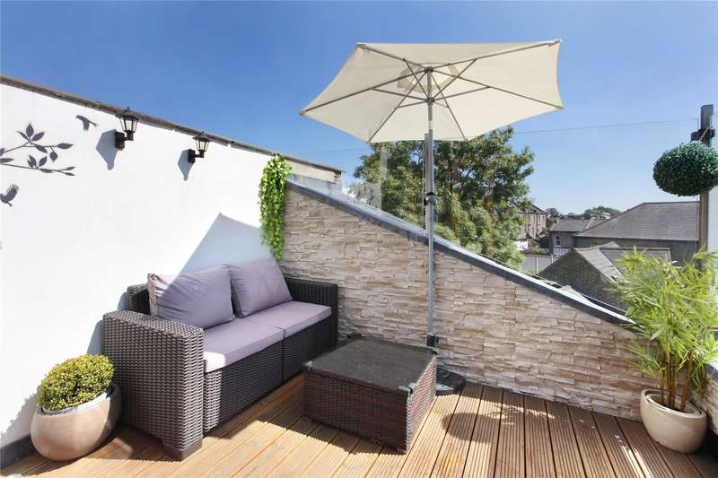 3 Bedrooms Flat for sale in Dinsmore Road, First Floor Flat, Balham, London, SW12