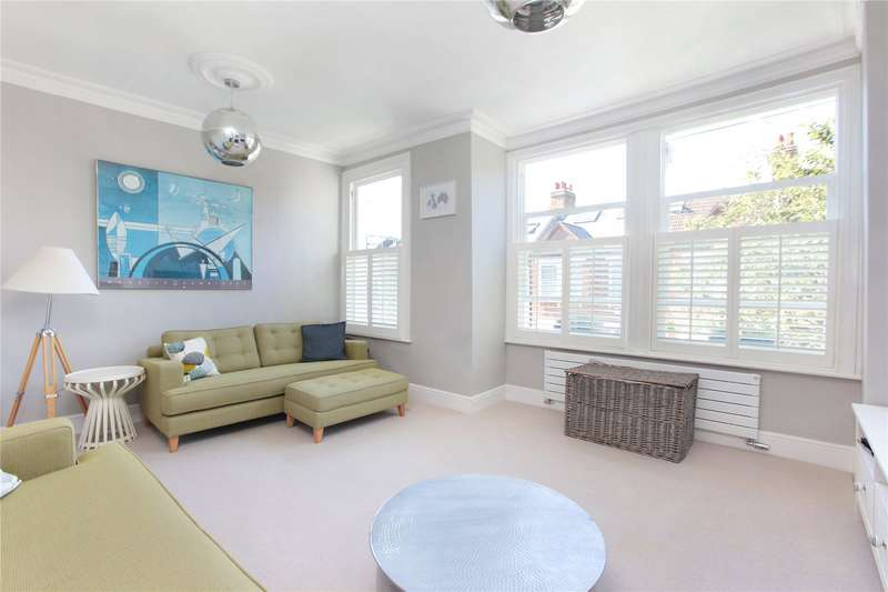3 Bedrooms Flat for sale in Cathles Road, Clapham South, London, SW12