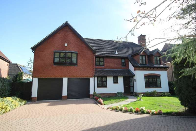 5 Bedrooms Detached House for sale in Prince Rupert Way, Norwich, NR7