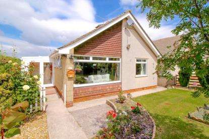 2 Bedrooms Bungalow for sale in Milford Avenue, Wick, Bristol, Gloucestershire