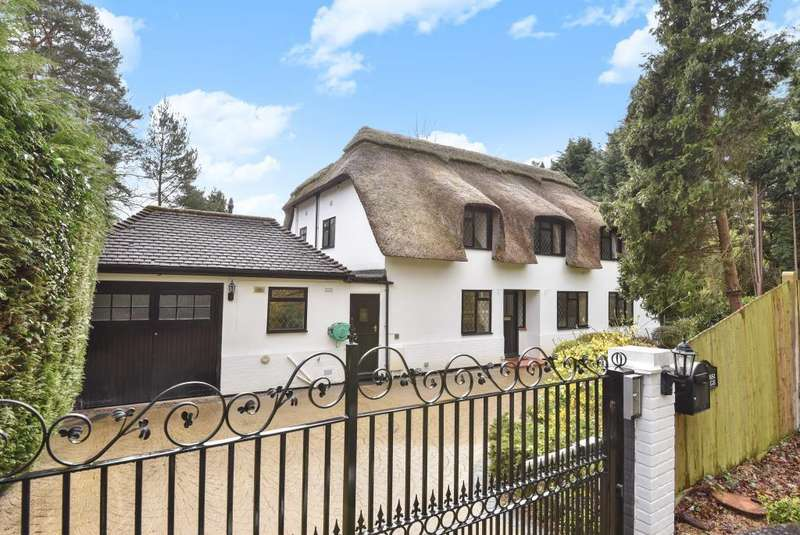 5 Bedrooms Cottage House for sale in Fireball Hill, Sunningdale, Berkshire, SL5