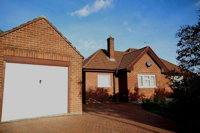 3 Bedrooms Detached Bungalow for sale in Wepre Hall Crescent, Connah's Quay, Deeside
