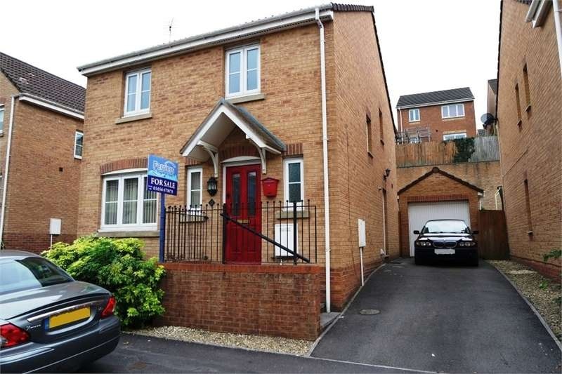 4 Bedrooms Detached House for sale in Kingfisher Road, North Cornelly, Bridgend, Mid Glamorgan