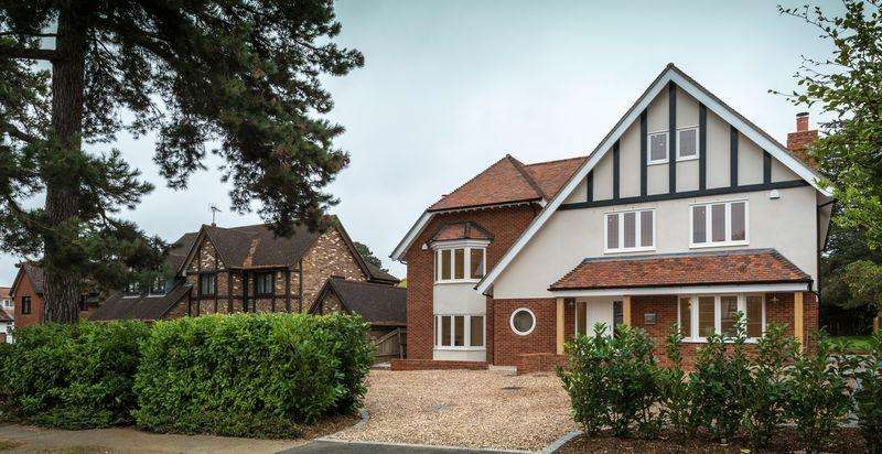 6 Bedrooms Semi Detached House for sale in Ashtead