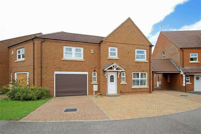 4 Bedrooms Semi Detached House for sale in Colossus Way, Bletchley, Milton Keynes