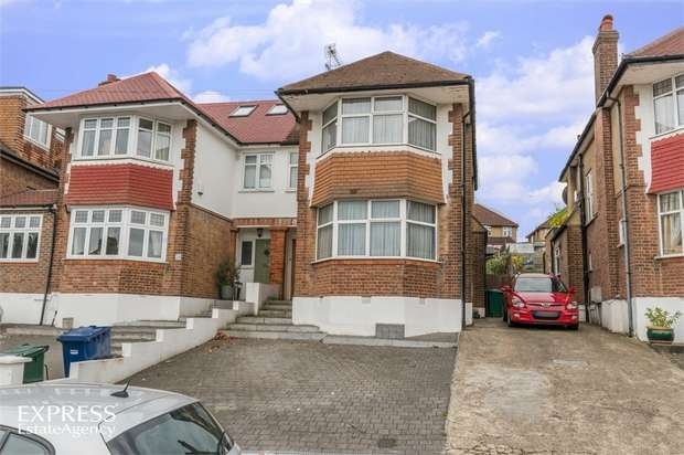3 Bedrooms Semi Detached House for sale in The Woodlands, London
