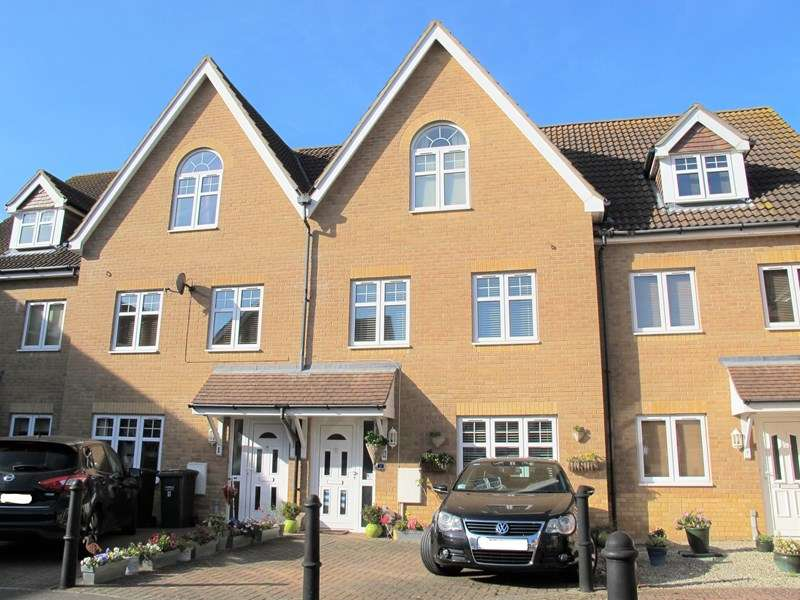 4 Bedrooms Town House for sale in Hoverfly Close, Lee-On-The-Solent