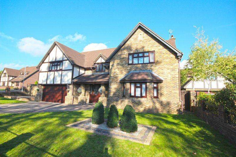 4 Bedrooms Detached House for sale in Vaendre Lane, Old St. Mellons