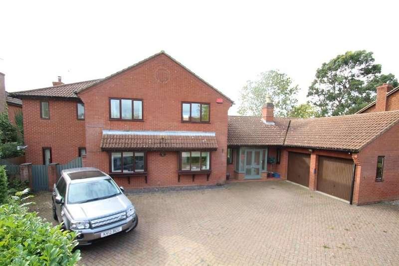 5 Bedrooms Detached House for sale in Tudor Gardens, Stony Stratford, Milton Keynes