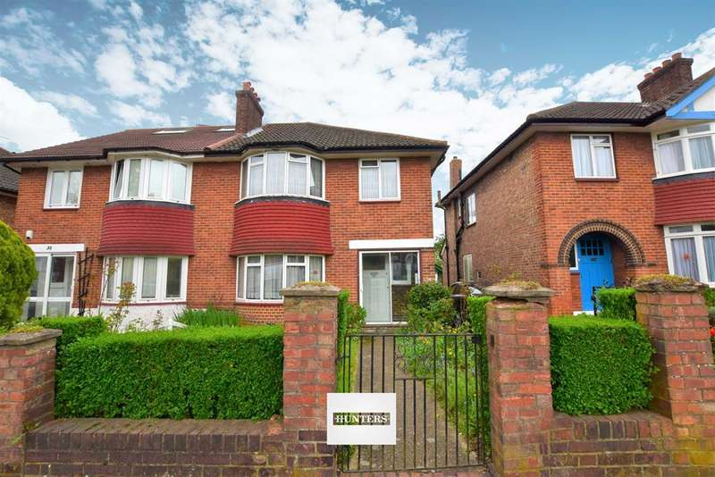 3 Bedrooms Semi Detached House for sale in Bowes Road, Acton, W3