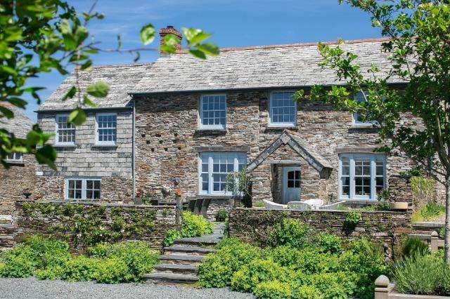 5 Bedrooms House for sale in The Farmhouse, Fentafriddle, Trebarwith