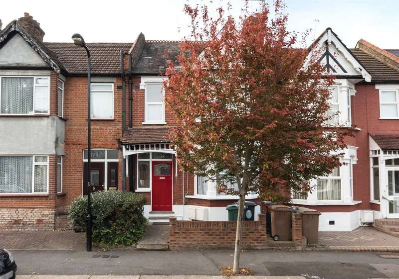 1 Bedroom Flat for sale in Beech Hall Road, Chingford, London