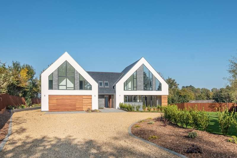 5 Bedrooms Detached House for sale in Binstead, Isle Of Wight