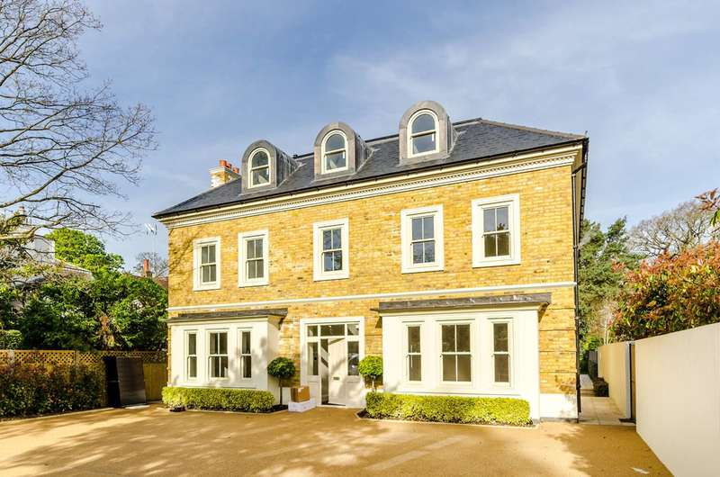 5 Bedrooms Detached House for sale in Kingston Hill, Coombe, KT2