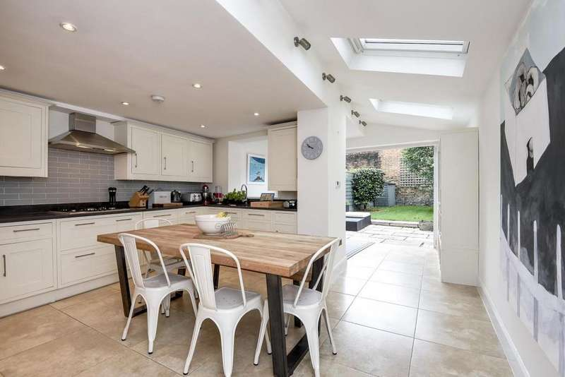 4 Bedrooms Terraced House for sale in Winfrith Road, Earlsfield