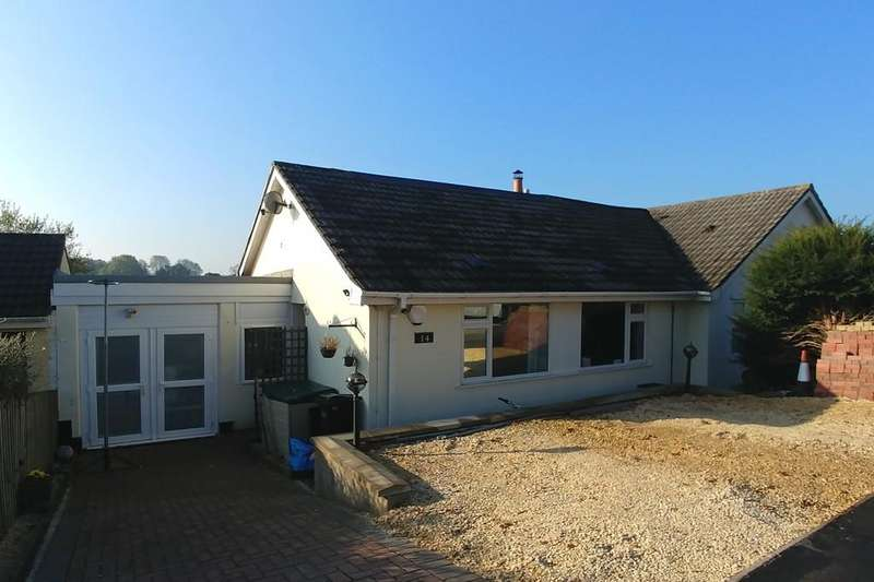 4 Bedrooms Semi Detached Bungalow for sale in Hillside Close, Paulton, Bristol