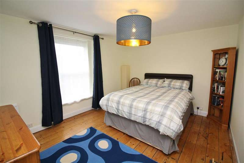 2 Bedrooms Terraced House for sale in Mayfield Park South, Bristol, BS16 3NF