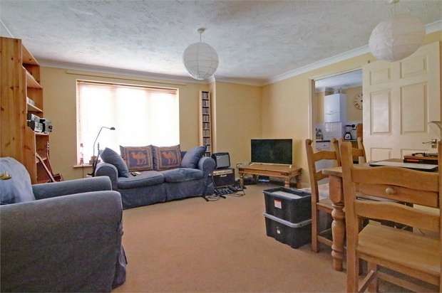 2 Bedrooms Flat for sale in Brunel Road, Walthamstow, London