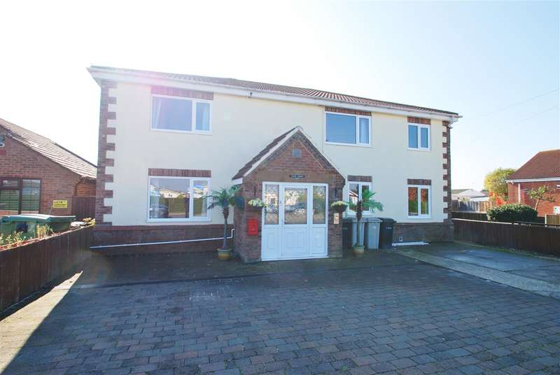 6 Bedrooms Detached House for sale in Sea Lane, Ingoldmells