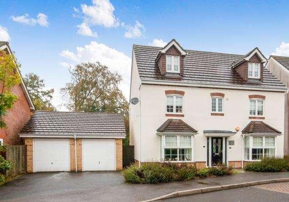 5 Bedrooms Detached House for sale in Beggarwood, Basingstoke, Hampshire