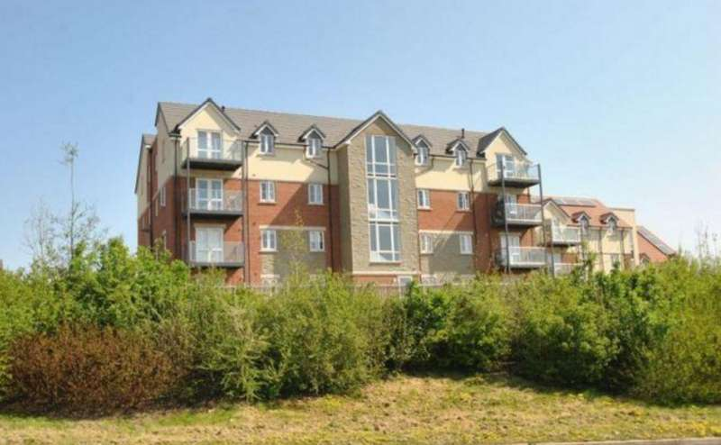 2 Bedrooms Apartment Flat for sale in Overstreet Green , Lydney , Gloucestershire GL15 5GG