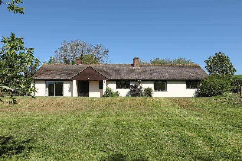 3 Bedrooms Detached House for sale in Keymelford, Crediton