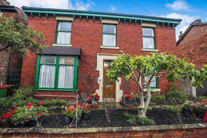 4 Bedrooms Detached House for sale in Garden Walk, Ashton-On-Ribble, Preston, Lancashire