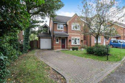 4 Bedrooms Detached House for sale in London Road, Dunstable, Bedfordshire, England