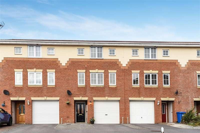 3 Bedrooms Terraced House for sale in Hopper Vale, Bracknell, Berkshire, RG12