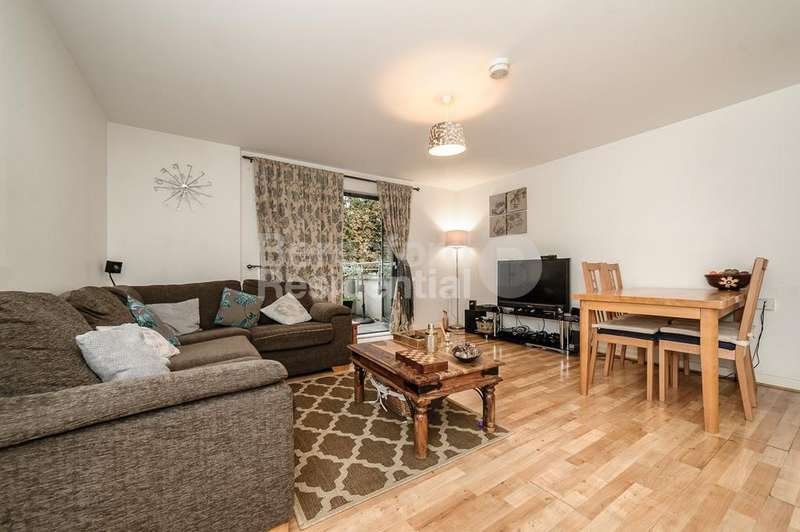 3 Bedrooms Flat for sale in Crown Dale, Crystal Palace, SE19