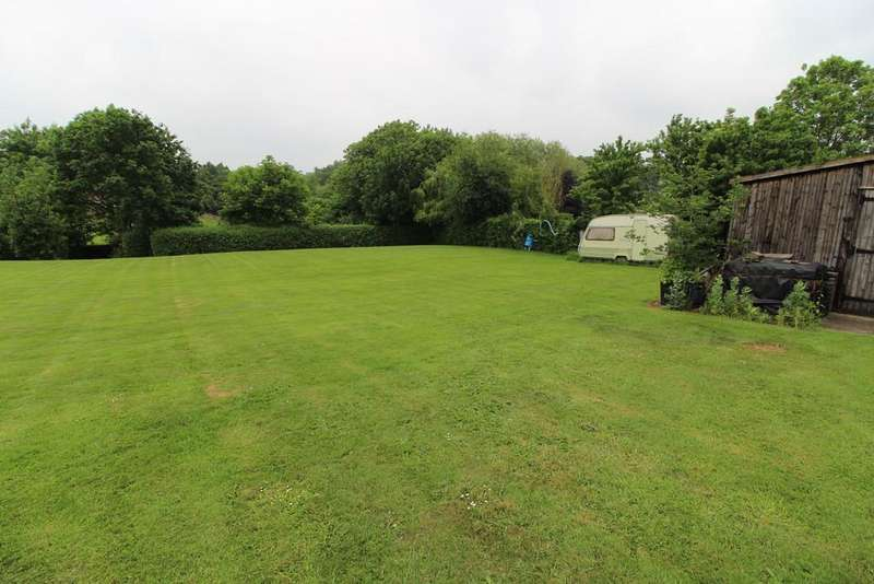 Land Commercial for sale in Church Street, Glentworth