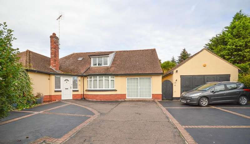 6 Bedrooms Detached Bungalow for sale in Newton Road, Dovercourt, Harwich, Essex