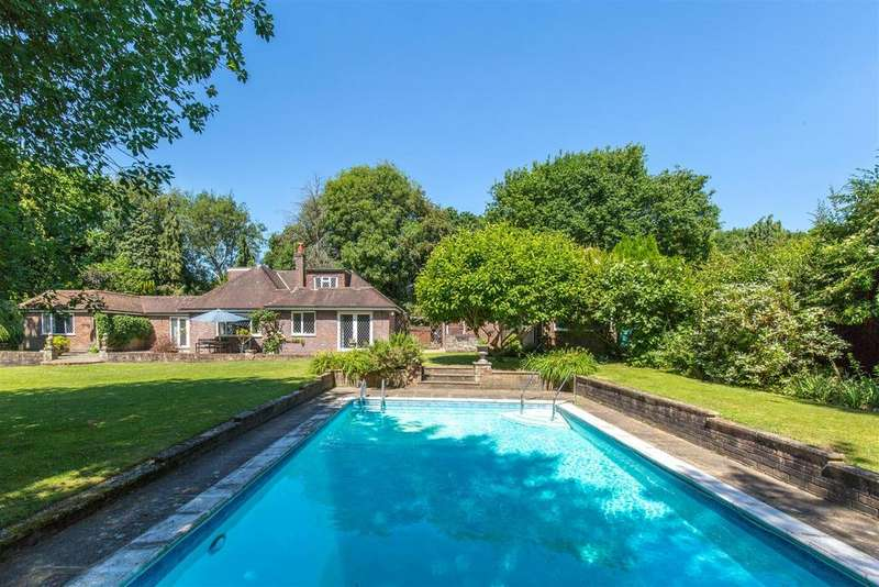 4 Bedrooms Detached House for sale in Five Ash Down, Uckfield