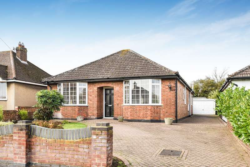 3 Bedrooms Detached Bungalow for sale in Old Hale Way, Hitchin, SG5