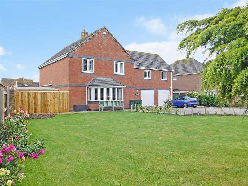 5 Bedrooms Detached House for sale in High Street, Ingoldmells, Skegness, Lincolnshire, PE25 1PT