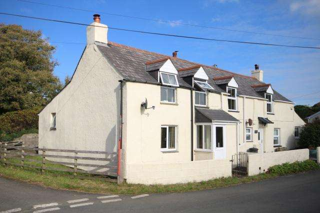 2 Bedrooms Semi Detached House for sale in Camelford