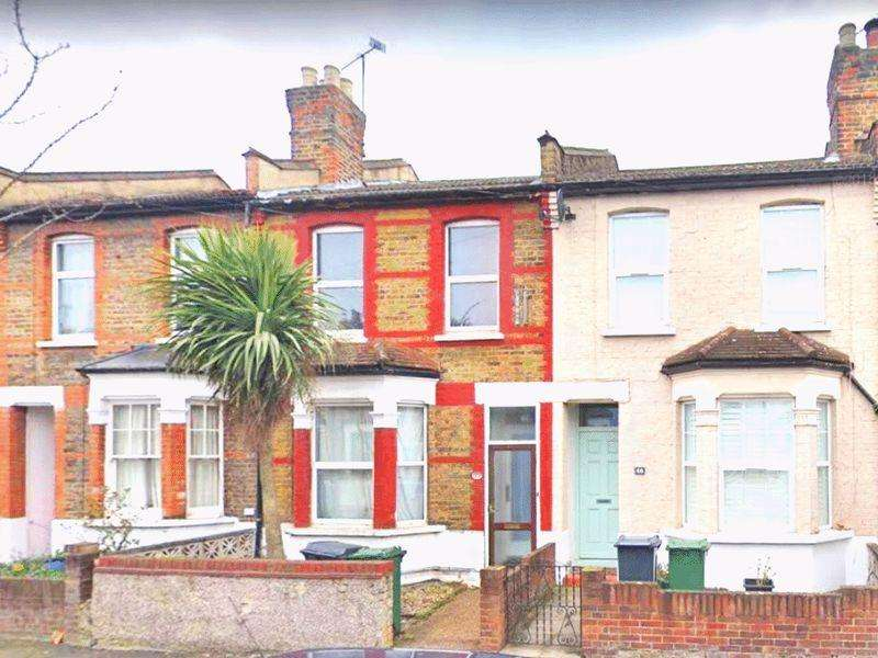 3 Bedrooms Terraced House for sale in Century Road, London