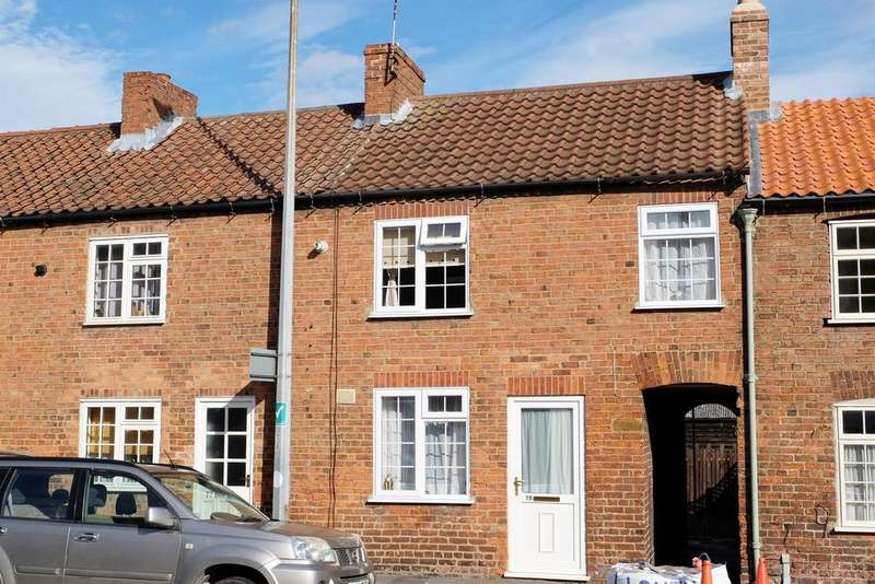 2 Bedrooms Terraced House for sale in Newmarket, Louth, Lincs, LN11 9EG