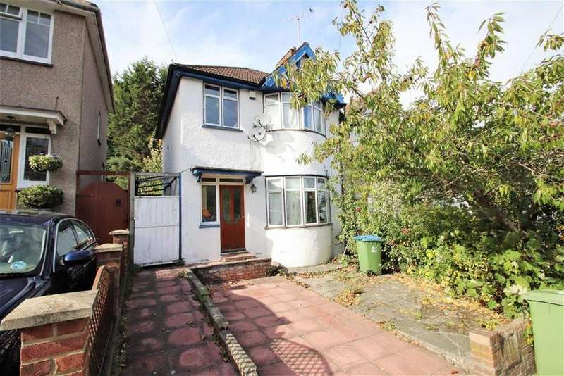 3 Bedrooms End Of Terrace House for sale in Donaldson Road, Shooters Hill, London