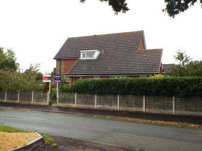 4 Bedrooms Detached House for sale in Sandy Lane, Cannock, Staffordshire