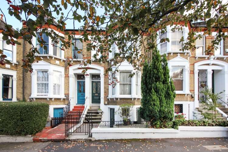 4 Bedrooms House for sale in Waller Road London SE14